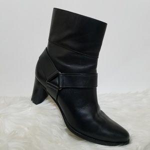 Cole Haan Nike Air Calixta Black Boots EUC Size 9